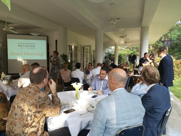 4/9/18 - Dutch Business Breakfast | The power and importance of Social Media