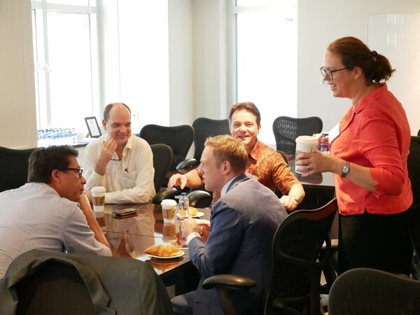 11/10/18 - Dutch Business Breakfast | Partners in Defence projects - Thales