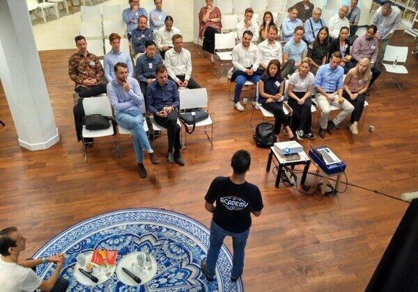 10/09/19 - Dutch Business Breakfast | Rishabh Gupta | Oyo Rooms